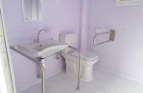 215x215 Cabină Portabilă de Toaletă pentru Invalid