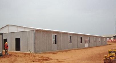 O clădire prefabricată pentru lucrări de mine în Senegal