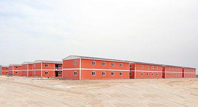 Karmod Construiește un Oraș Prefabricat Pentru 10.000 de Persoane în 7 luni